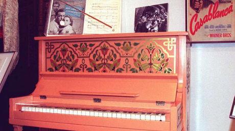 El piano de la película Casablanca debe ser vendido en más de siete cifras. Foto: AFP
