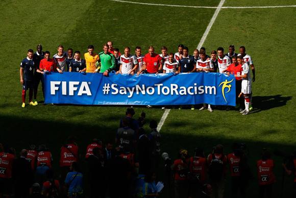 Hashtag por un NO al racismo. Foto: FIFA