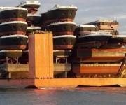 Un barco que carga barcos que cargan barcos que