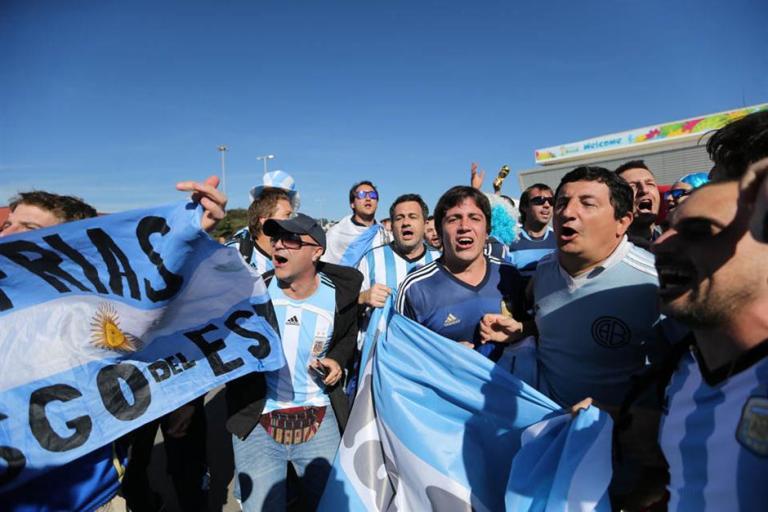 argentinos se preparan para partido de argentina con suiza