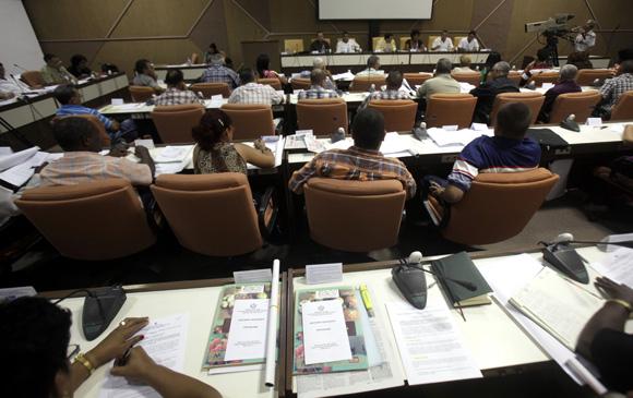 Las diez comisiones permanentes de la Asamblea Nacional del Poder Popular (ANPP) comienzan hoy sus reuniones ordinarias con deliberaciones sobre diversos temas de la vida política, económica, social y cultural de Cuba. Foto: Ismael Francisco/Cubadebate.