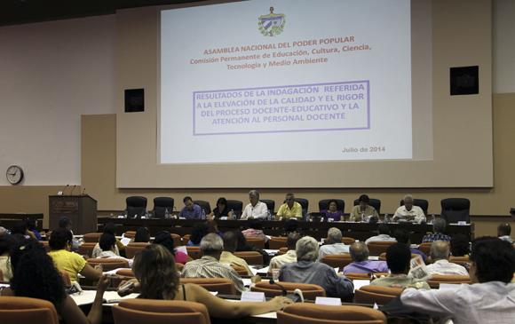 Las diez comisiones permanentes de la Asamblea Nacional del Poder Popular (ANPP) comienzan hoy sus reuniones ordinarias con deliberaciones sobre diversos temas de la vida política, económica, social y cultural de Cuba. Foto: Ladyrene Pérez/Cubadebate.