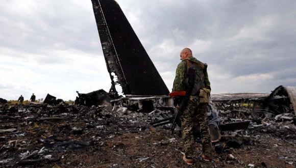 Autor de tragedia aérea en Ucrania podría ser desertor de ejército, según prensa estadounidense