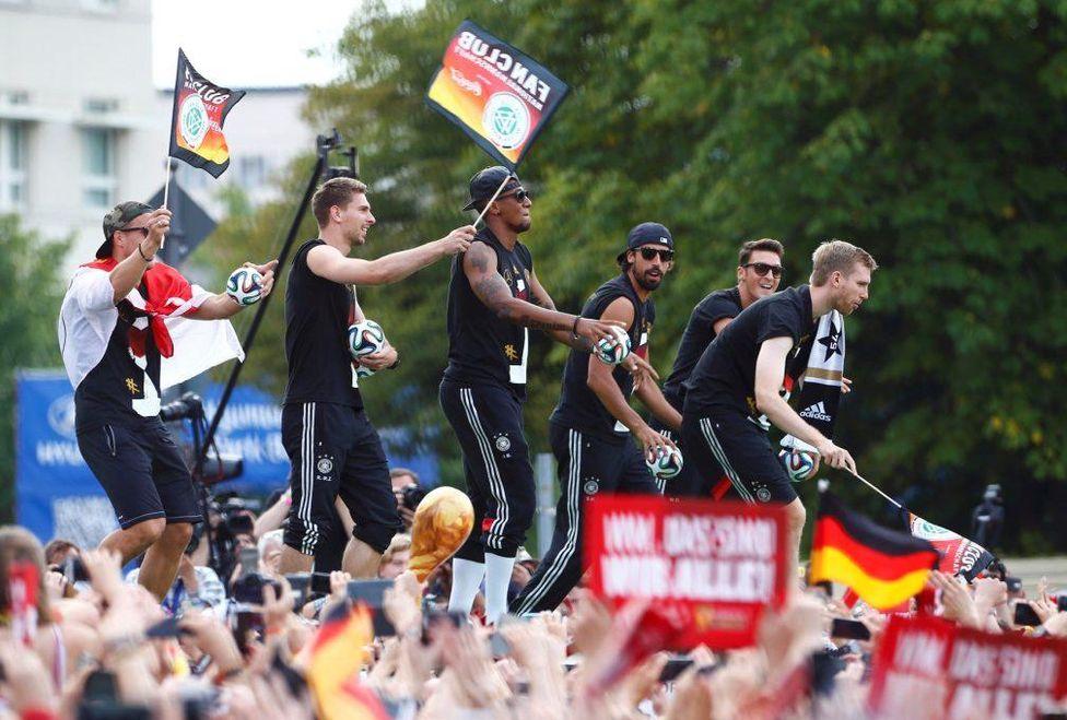 campeones_del_mundo-Alemania_MILIMA20140715_0042_3