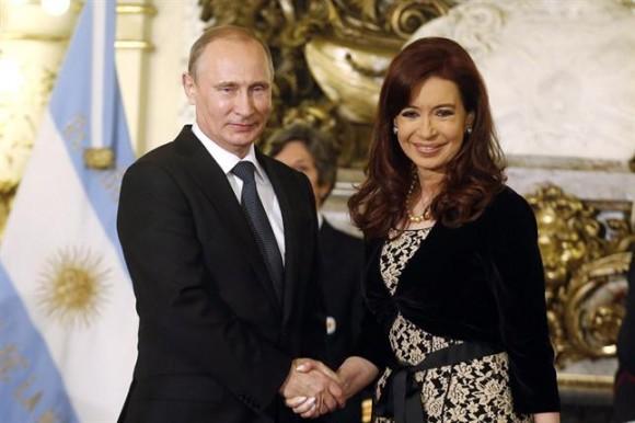 Cristina recibió a Putin a las 13:15; tras los saludos protocolares se dio por iniciada la agenda oficial de la visita. Foto: Reuters