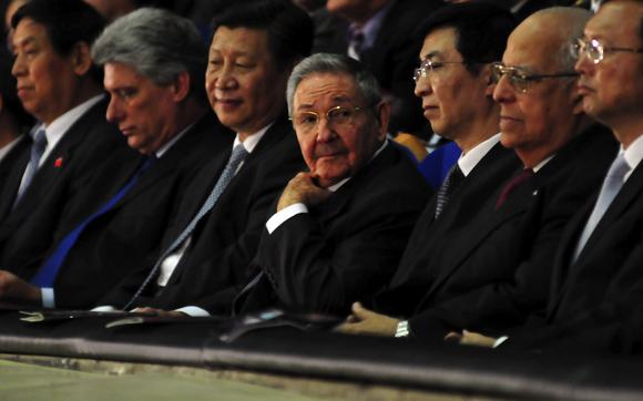 Presidentes de Cuba y China asisten a gala de ballet en La Habana