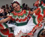 Representantes de países que asisten a la edición del Festival del Caribe o Fiesta del Fuego.