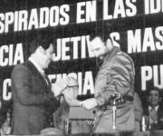 En 1973, cuando se creó el carné de identidad, Fisín le entregó al Comandante en Jefe el suyo, solo con el número uno (de los once requeridos), lo que provocó gran hilaridad. (CORTESÍA DE FISÍN)