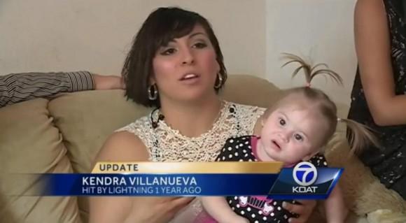 Luego de un año, Kimberly todavía tiene daño neurológico por la caída del rayo. Foto: Daily Mail.