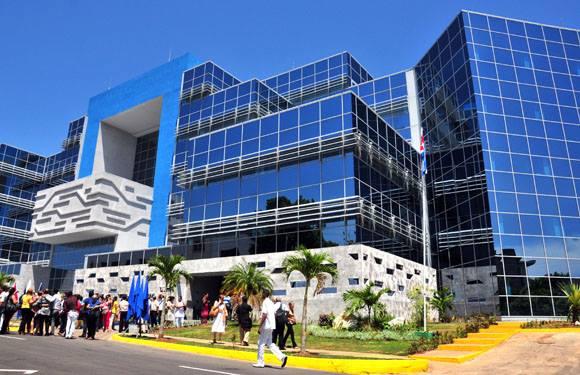Nueva sede del Centro para el Control Estatal de Medicamentos, Equipos y Dispositivos Médicos y el Centro Nacional Coordinador de Ensayos Clínicos. Foto: Ladyrene Pérez/Cubadebate.