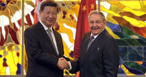 Se reunió Presidente chino con Raúl y Fidel Castro