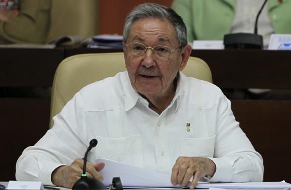 Es una tarea seria que debemos comprender todos, así como el alcance de las mismas, y con la sensatez con que tenemos que llevar adelante estos programas, por eso decimos sin prisa pero sin pausas, dijo Raúl  Foto: Ladyrene Pérez/Cubadebate.