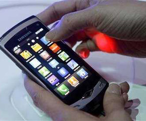 """Foto del nuevo modelo 'Wave"""" de Samsung que fue dado a conocer el domingo en Barcelona."""