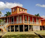 Casa principal de la familia Castro Ruz, en el conjunto histórico de Birán, Monumento Nacional, sitio donde nació el máximo líder de la Revolución cubana Fidel Castro Ruz, ubicado en el municipio de Cueto, de la oriental provincia de Holguín, Cuba,  el 12 de agosto de 2014. Foto: Juan Pablo Carreras.
