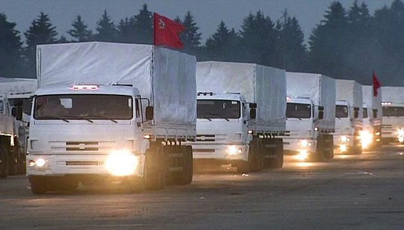 La carga de 2 mil toneladas de ayuda humanitaria rusa es destinada a las víctimas del conflicto en el sureste de Ucrania. (AFP)