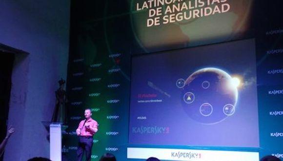 Dmitry Bestuzhev, director del equipo de Investigación y Análisis de Kaspersky Lab, participó en la 4a Cumbre Latinoamericana de Analistas de Seguridad que se lleva a cabo en Colombia. Foto: Ana Estrada/ Milenio