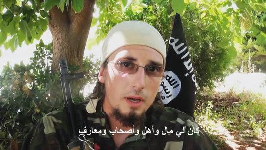 """Al-Hayat Media Center, una filial del Estado Islámico en Irak y Siria, que ofrece sobre todo material no árabe dirigido a los occidentales, dio a conocer un video que presenta un """"mártir"""" de Canadá."""