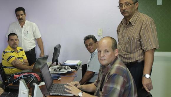 Funcionarios del Ministerio de Energía y Minas, Ministerio de la Agricultura y AZCUBA.