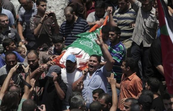 Mustafa Deif, esposa del líder del ala militar de Hamas murió junto con su bebé durante el bombardeo israelí en Gaza la noche del martes. Foto: Reuters