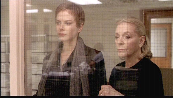 Bacall con Nicole Kidman en Birth (2004).