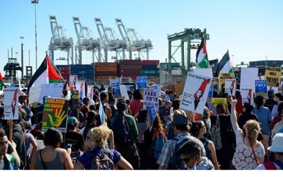bloqueo al barco israeli Zim Piraeus