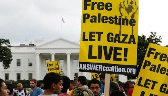 Miles de manifestantes reunidos a las afueras de la Casa Blanca exigen el fin de la ofensiva israelí en Gaza. Foto: Reuters.