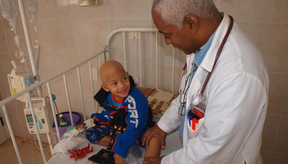 Introduce Cuba novedosas técnicas de diagnóstico y terapia del cáncer
