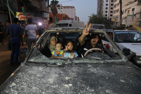 gaza de fiesta después de la masacre