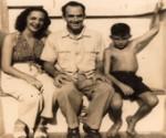 Gilda Hernández con su esposo y el hijo (Sergio Corrieri) en Jaimanitas.