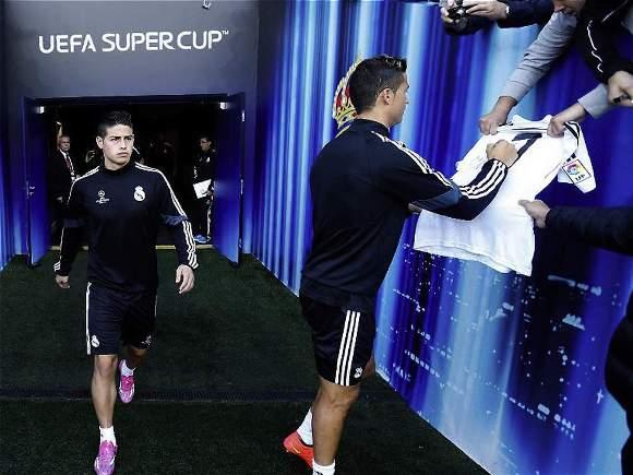 James Rodríguez y Cristiano Ronaldo durante el entrenamiento previo al Sevilla. FOTO: Web oficial del Real Madrid.