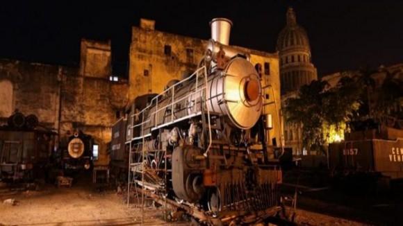La Oficina del Historiador de La Habana, la entidad que decidió restaurar las 40 locomotoras de vapor, busca que este acto sea para mejor el ambiente turístico y cultural de la isla. Foto: EFE