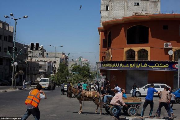 momento en que un misil impacta en gaza1
