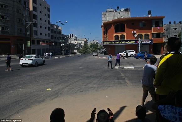 momento en que un misil impacta en gaza2