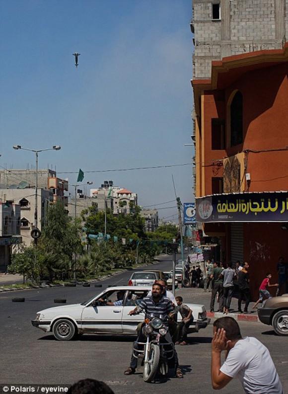 momento en que un misil impacta en gaza3