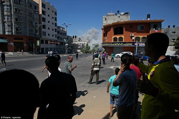 momento en que un misil impacta en gaza5