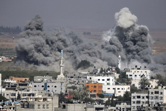 momento en que un misil impacta en gaza7