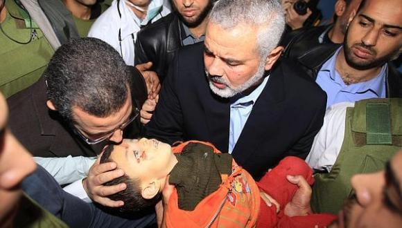 Niño muere en Gaza por ataques israelíes. FOTO: Reuters.