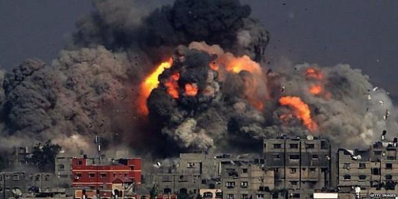 No es una película es Gaza bajo las bombas.