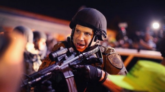Policías en Ferguson. Foto: AFP