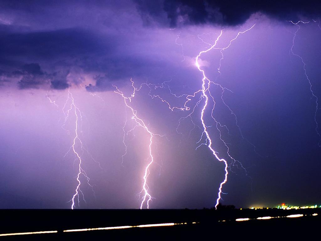 Tormenta deja heridos y daños materiales en Texas