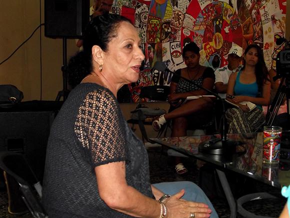 """Beatriz Márquez repasó momentos de su carrera en el espacio """"Encuentro con"""". Foto: Marianela Dufflar"""