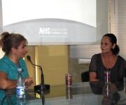 Magda Resik, periodista y Directora de la Emisora Habana Radio, se encargó de iniciar el diálogo con Beatriz Márquez. Foto: Marianela Dufflar