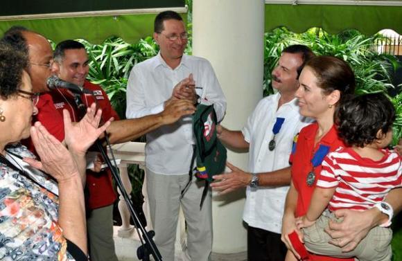 Condecoran a los Cinco con orden Waraira Repano de Primera Clase. Foto: AIN.