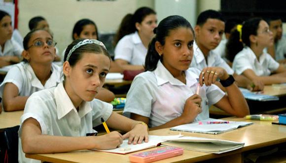 En Cuba, garantizada la continuidad de estudios para graduados de Secundaria Básica