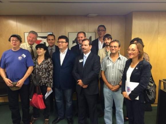 Diputados españoles conocen el caso de los cinco a través de Fernando Gonzalez. Foto: EMBACUBA España / Cubadebate