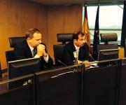 Diputados españoles de seis agrupaciones políticas reciben a Fernando González en sede Congreso. Junto al él el embajador cubanos Eugenio Martínez. Foto: EMBACUBA España / Cubadebate