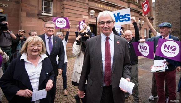 El ex Ministro de Economía y líder de la campaña Mejor Juntos, Alistair Darling. Foto / Reuters.