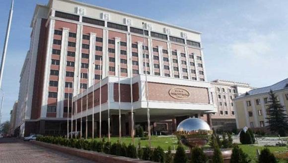 El Hotel President de Minsk es la sede de las negociaciones entre el gobierno ucraniano y los federalistas. Foto / Telesur.