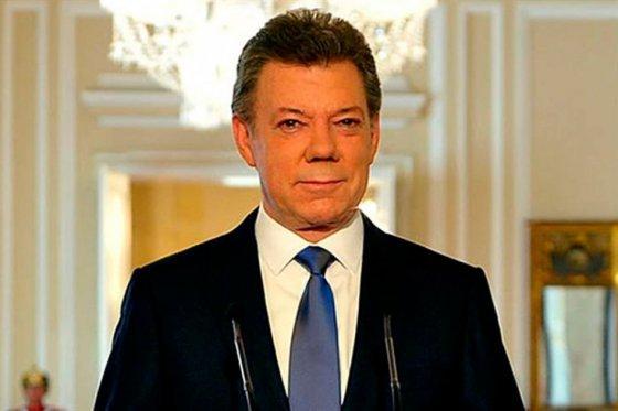 Juan Manuel Santos agradeció al presidente Obama el nombramiento de Aronson y lo calificó como un gesto que reafirma el compromiso de Washington con la intención de Colombia de poner fin a un violento conflicto que ha dejado al menos 220.000 muertos y millones de desplazados.