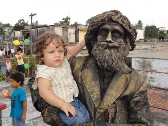 Leyenda y Juventud. (El bebé se llama Yohrick Balaguer Ferro) Foto: Erick Balaguer / Cubadebate